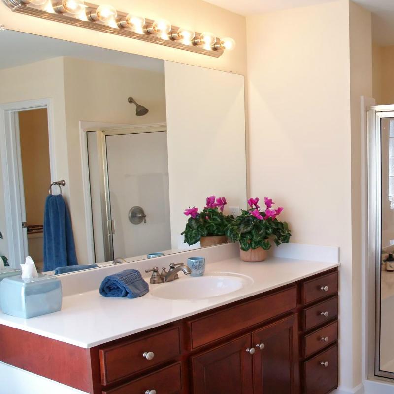 Bathroom-Vanity-Refinishing-Fort-Worth